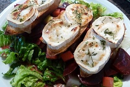 Rote Bete-Apfelsalat mit Ziegenkäse-Crostini 6