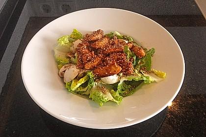 Romanasalat mit Hähnchenbrust auf asiatische Art