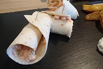 Wrap-Röllchen mit Lachs, Paprika und Rucola 1