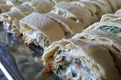 Wrap-Röllchen mit Lachs, Paprika und Rucola 3