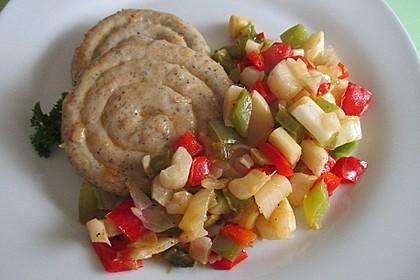 Achims Riesen-Bratwurstschnecke mit Bohnen-Apfelgemüse