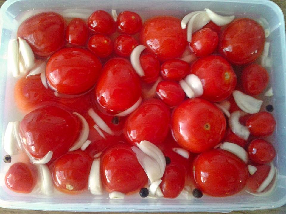 tomaten milchsauer eingelegt rezept mit bild von bentson. Black Bedroom Furniture Sets. Home Design Ideas