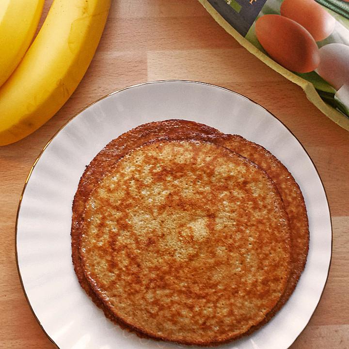 bananen ei pancakes aus 2 zutaten von netti lobo. Black Bedroom Furniture Sets. Home Design Ideas
