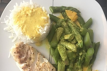 Kabeljaufilet auf grünem Spargel an Orangen-Curry-Sauce 7