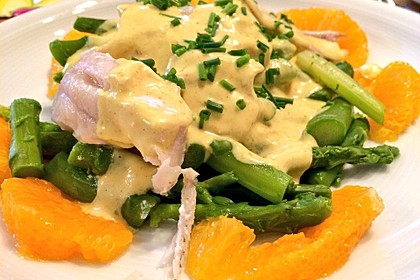 Kabeljaufilet auf grünem Spargel an Orangen-Curry-Sauce 8