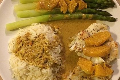 Kabeljaufilet auf grünem Spargel an Orangen-Curry-Sauce 13