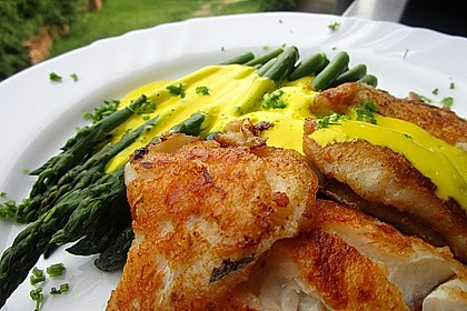 Kabeljaufilet auf grünem Spargel an Orangen-Curry-Sauce 4