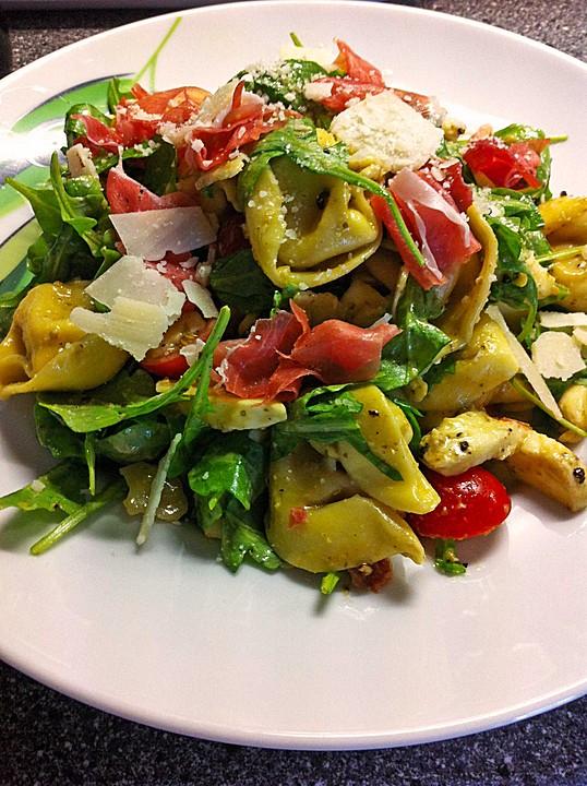Salat rucola getrocknete tomaten parmesan