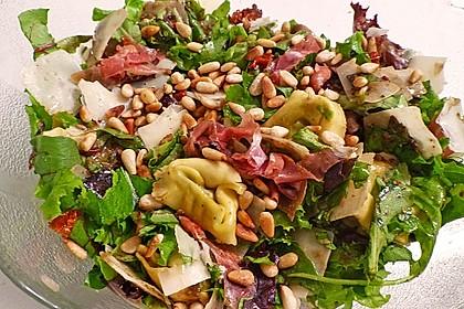 Tortellini-Rucola-Salat mit Pesto und Parmesan 21