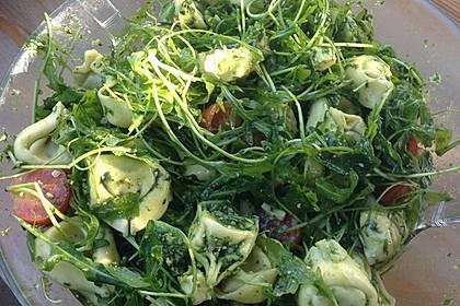 Tortellini-Rucola-Salat mit Pesto und Parmesan 6