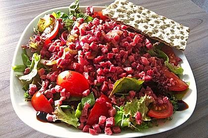 Bunter Salat mit Schinkenwürfeln