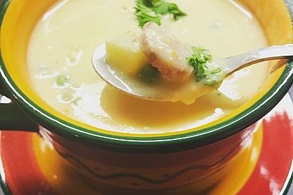 Kartoffelsuppe mit Erbsen und Mettwürstchen 24