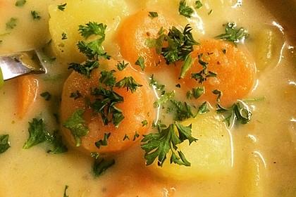 Kartoffelsuppe mit Erbsen und Mettwürstchen 44