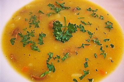 Kartoffelsuppe mit Erbsen und Mettwürstchen 40