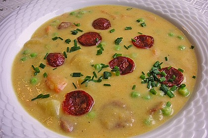Kartoffelsuppe mit Erbsen und Mettwürstchen 9