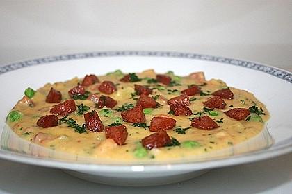 Kartoffelsuppe mit Erbsen und Mettwürstchen 11