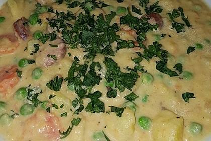 Kartoffelsuppe mit Erbsen und Mettwürstchen 31
