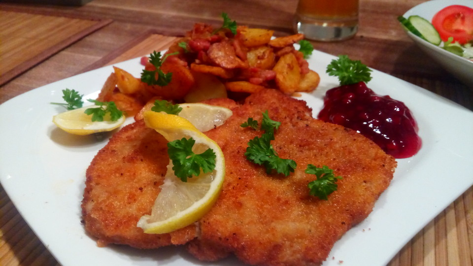 fletchers wiener schnitzel mit bratkartoffeln von fletcher. Black Bedroom Furniture Sets. Home Design Ideas
