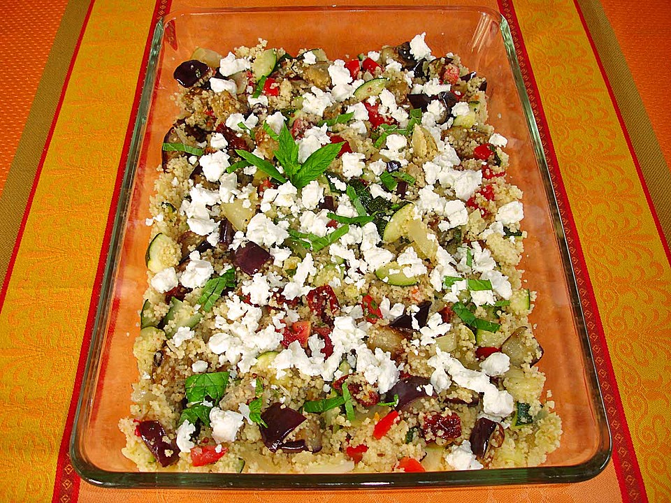 couscous salat mit zucchini aubergine feta rezept mit bild. Black Bedroom Furniture Sets. Home Design Ideas