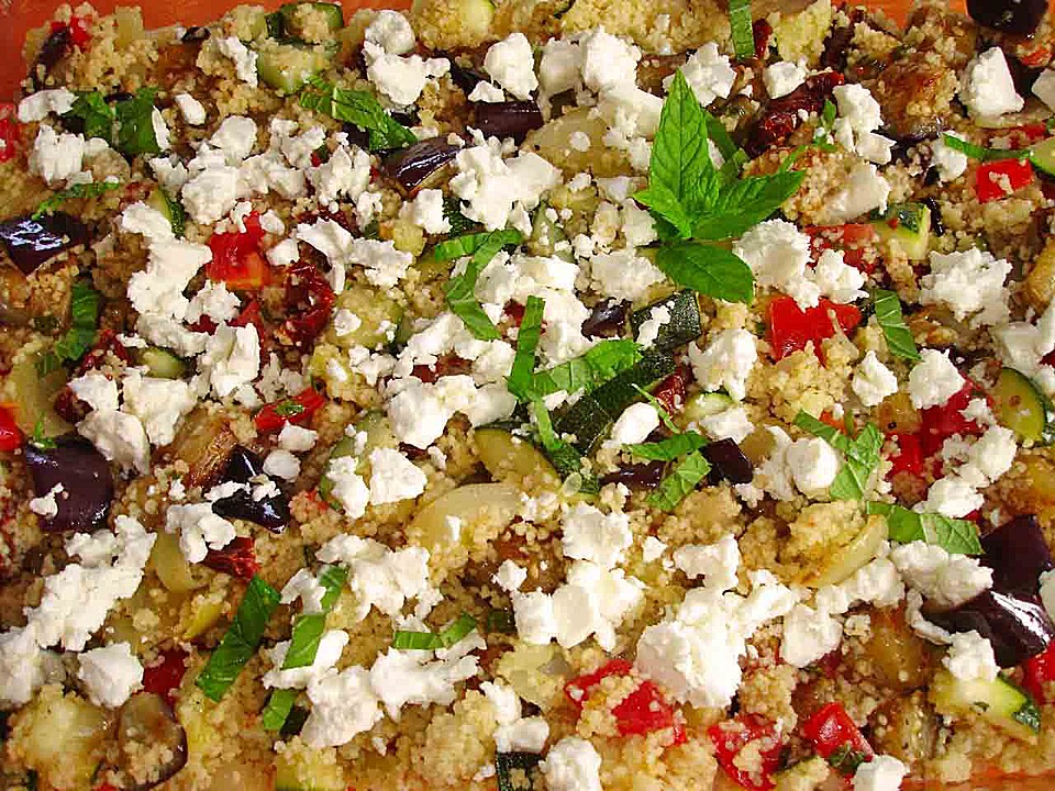 couscous salat mit zucchini aubergine feta von dodith. Black Bedroom Furniture Sets. Home Design Ideas