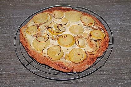 Fränkischer Brot-Zwiebel-Fladen 1