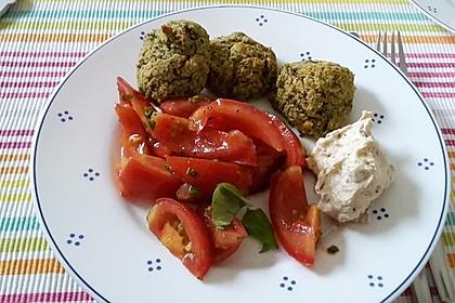 Falafel-Wrap mit Dattel-Schmand-Dip 7