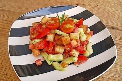 Italienischer Brotsalat - Panzanella speciale