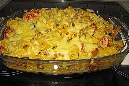 Überbackene Nudeln mit Gyros und Gemüse