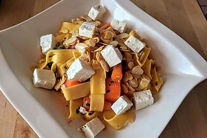 Orientalische Möhren-Pasta 8