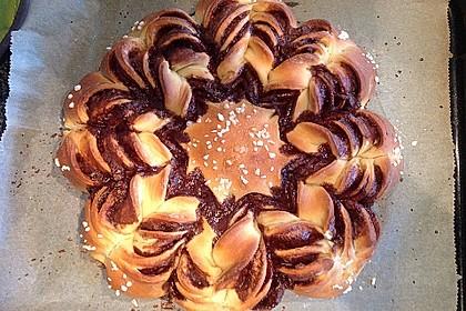 Blumen-Brioche mit Nutella 2