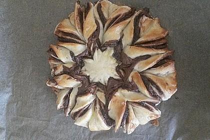 Blumen-Brioche mit Nutella 55