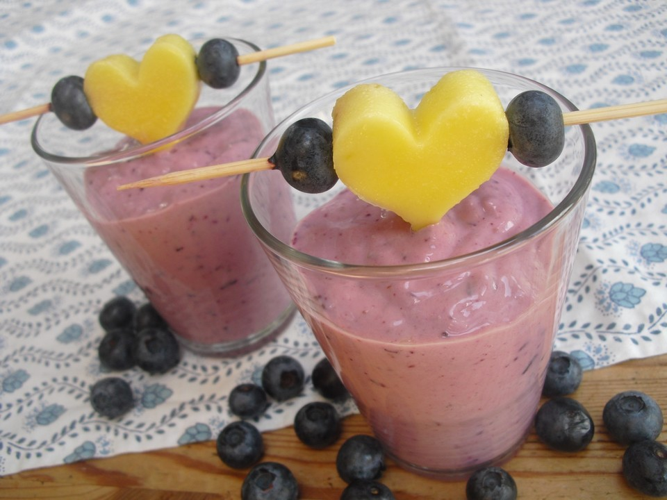 smoothie mit mango und heidelbeeren rezept mit bild. Black Bedroom Furniture Sets. Home Design Ideas
