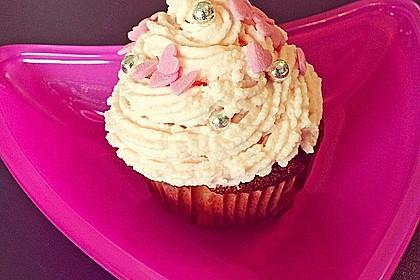 Cupcakes mit Erdbeer-Topping