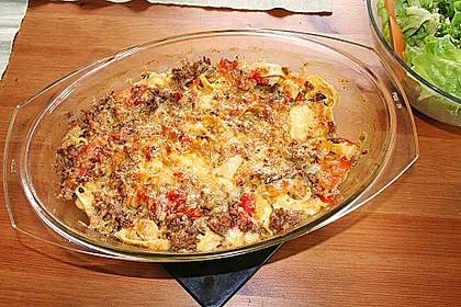 Tortellini-Auflauf mit Hackfleisch, Tomaten und Basilikum 2