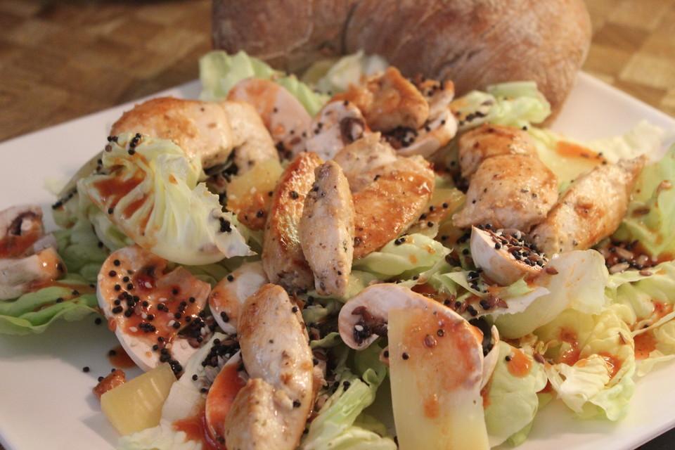 fitness salat mit putenw rfeln und zitronen honig vinaigrette von motorcityadler. Black Bedroom Furniture Sets. Home Design Ideas