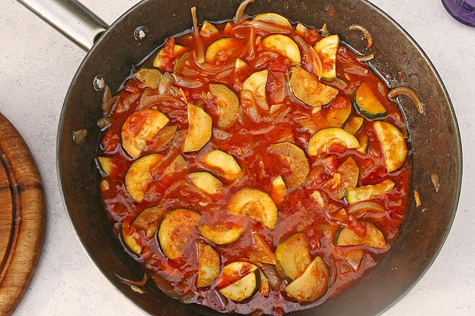 curry zucchini in tomatensauce rezept mit bild von bruce39. Black Bedroom Furniture Sets. Home Design Ideas