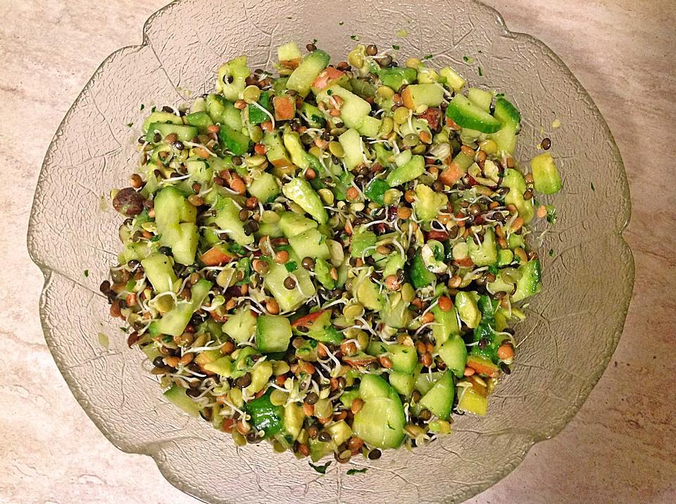 linsensprossen avocado apfel salat mit ingwer dressing von gloryous. Black Bedroom Furniture Sets. Home Design Ideas