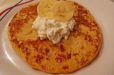 Bananen-Pancake mit Ei