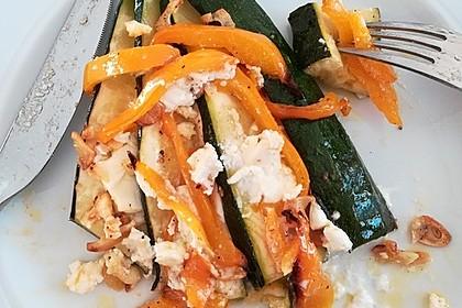 Zucchinifächer mit Feta 80
