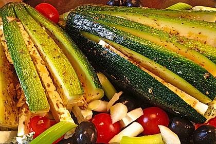 Zucchinifächer mit Feta 26
