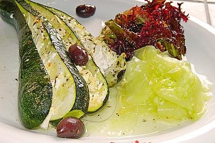 Zucchinifächer mit Feta 17