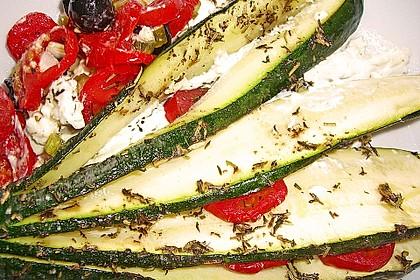Zucchinifächer mit Feta 49