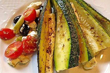 Zucchinifächer mit Feta 48