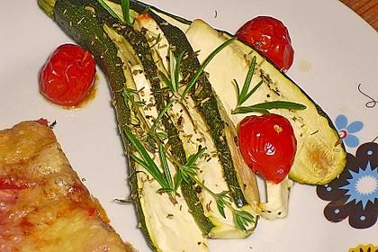 Zucchinifächer mit Feta 45