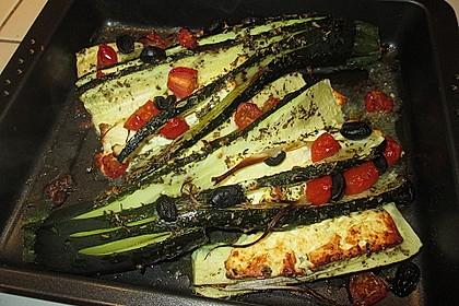Zucchinifächer mit Feta 117