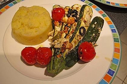 Zucchinifächer mit Feta 36