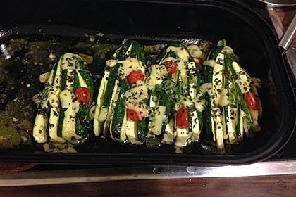 Zucchinifächer mit Feta 118