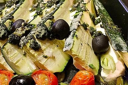 Zucchinifächer mit Feta 51