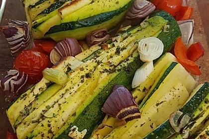 Zucchinifächer mit Feta 104