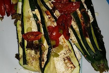 Zucchinifächer mit Feta 64